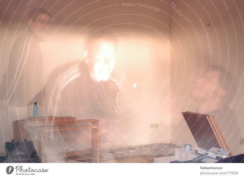 Ghosts #1 Bruchbude Renovieren Mann Kerl Langzeitbelichtung Geister u. Gespenster