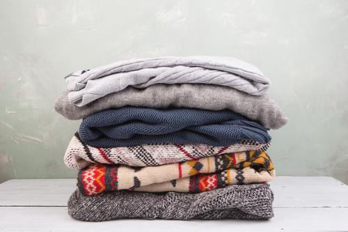 weiß Winter Wärme Herbst Holz Mode Bekleidung weich Stoff Anhäufung gemütlich Stapel Pullover Wolle bequem Schrank
