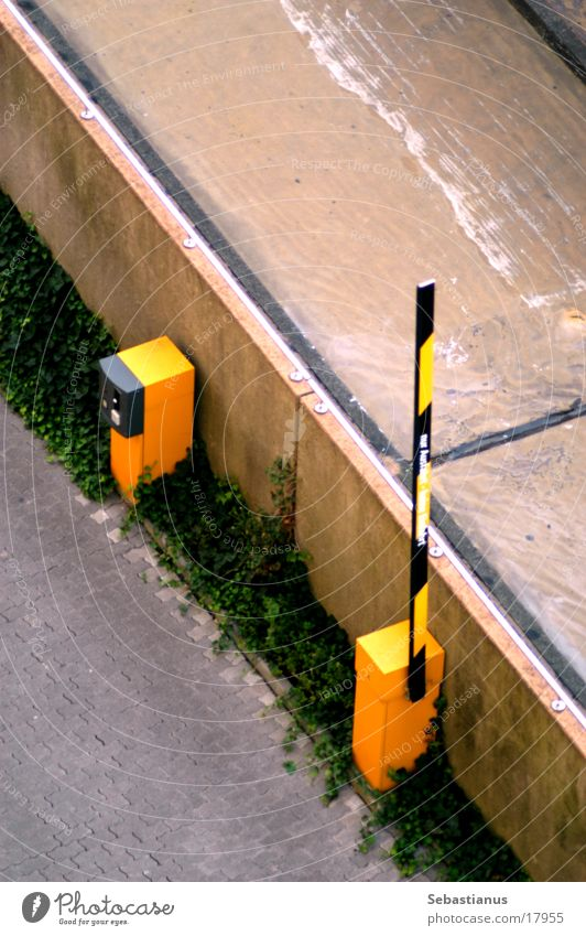 Schranke auf Straße Verkehr Technik & Technologie Parkplatz Barriere Parkdeck Elektrisches Gerät