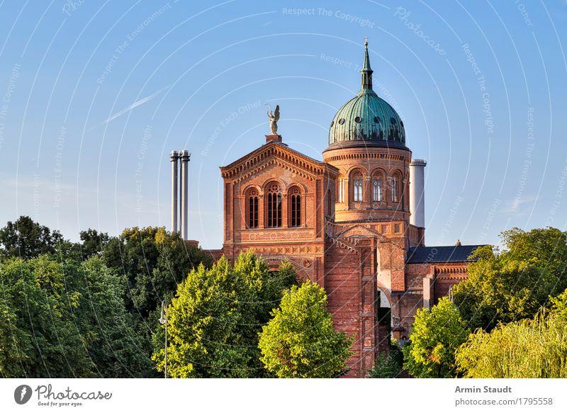 St. Michael Kirche, Berlin Kreuzberg Ferien & Urlaub & Reisen Tourismus Sightseeing Städtereise Sommer Wolkenloser Himmel Frühling Schönes Wetter Baum Park