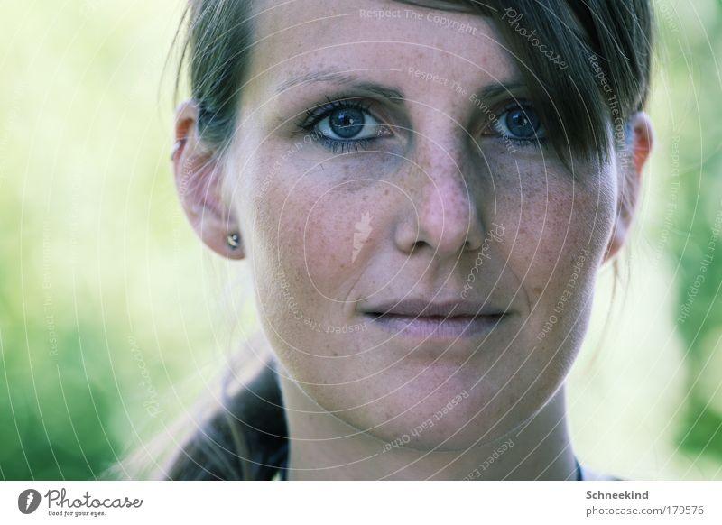 Natürlich schön Frau Mensch Porträt Jugendliche schön Gesicht Auge feminin Glück Haare & Frisuren Kopf Mund Erwachsene Nase Blick ästhetisch