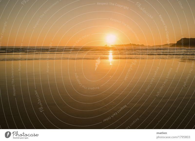 clarity Landschaft Wasser Himmel Wolkenloser Himmel Horizont Sonnenaufgang Sonnenuntergang Schönes Wetter Hügel Wellen Küste Meer Menschenleer glänzend blau