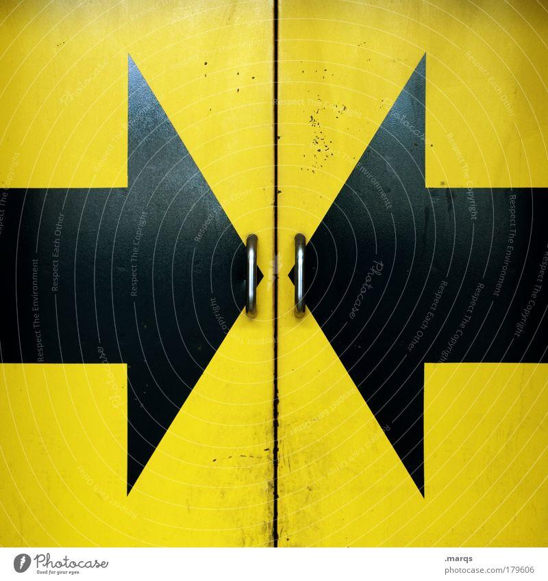 Open Here schwarz gelb Metall Tür geschlossen Schilder & Markierungen Sicherheit Industrie Güterverkehr & Logistik Zeichen geheimnisvoll Pfeil Eingang Überraschung Symmetrie Politik & Staat