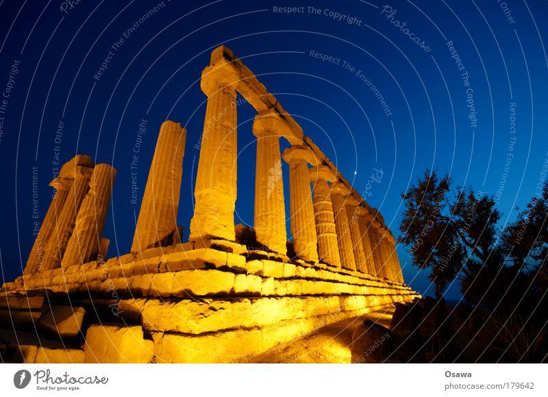 Tal der Tempel 02 Ruine antik Bauwerk Gebäude Architektur Griechenland Zerstörung Säule Italien Sizilien Agrigento Dämmerung Abend Himmel blau Querformat