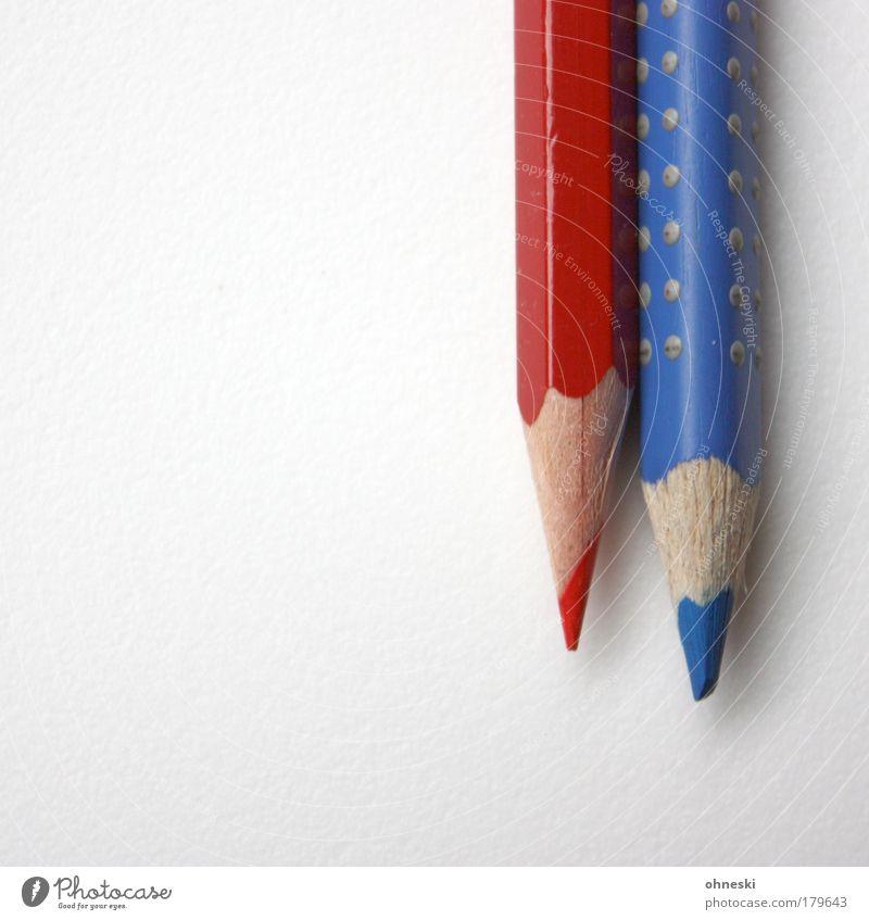 Paar blau rot Bildung Spitze malen zeichnen Schüler Beruf Schreibstift Lehrer Farbstift Schreibwaren