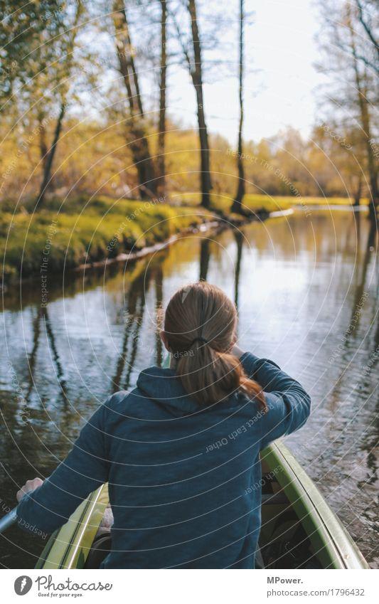 paddeln Mensch feminin Junge Frau Jugendliche 1 18-30 Jahre Erwachsene Umwelt Natur Landschaft Wasser See Fluss nass Spree Paddeln Zopf Wasserfahrzeug
