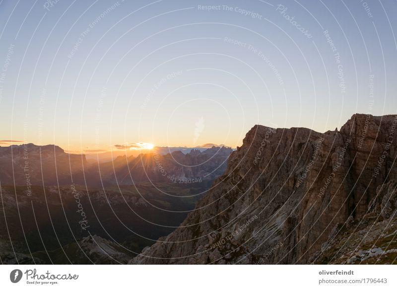 Dolomiten I Ferien & Urlaub & Reisen Ausflug Abenteuer Ferne Freiheit Expedition Berge u. Gebirge wandern Umwelt Natur Landschaft Urelemente Himmel Horizont