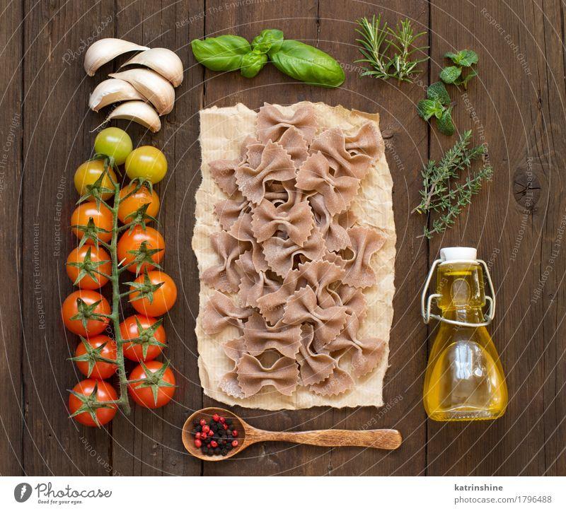 Vollkornnudeln, Gemüse, Kräuter und Olivenöl grün rot dunkel Gesundheit braun frisch Kräuter & Gewürze Backwaren Flasche Mahlzeit Vegetarische Ernährung Diät