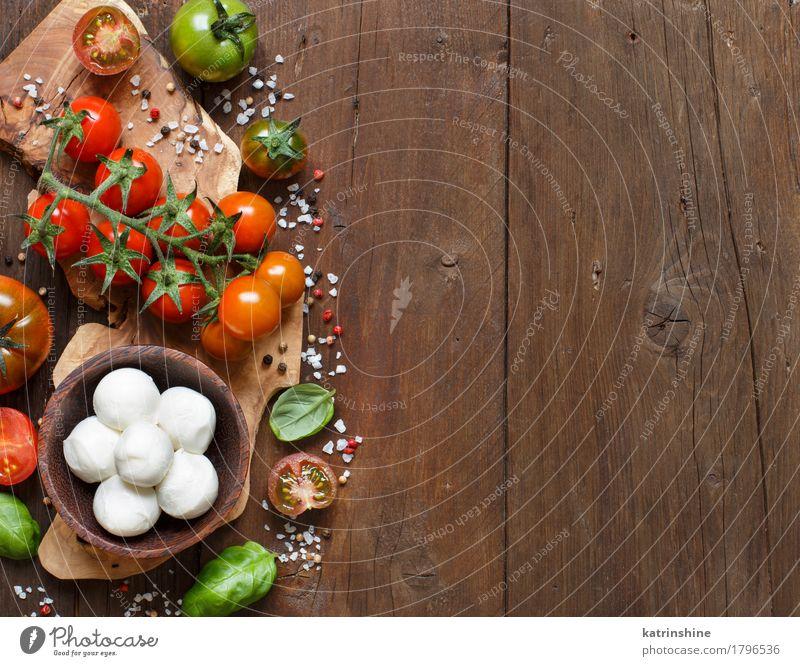 Italienische Küche ingridients grün rot natürlich braun hell frisch Kräuter & Gewürze Gemüse Brot Schalen & Schüsseln Flasche Mahlzeit Vegetarische Ernährung