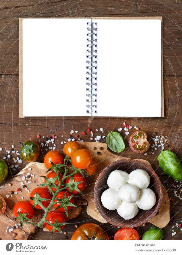 Italienische Küche ingridients Käse Gemüse Brot Kräuter & Gewürze Öl Vegetarische Ernährung Diät Schalen & Schüsseln Flasche Papier frisch hell natürlich braun