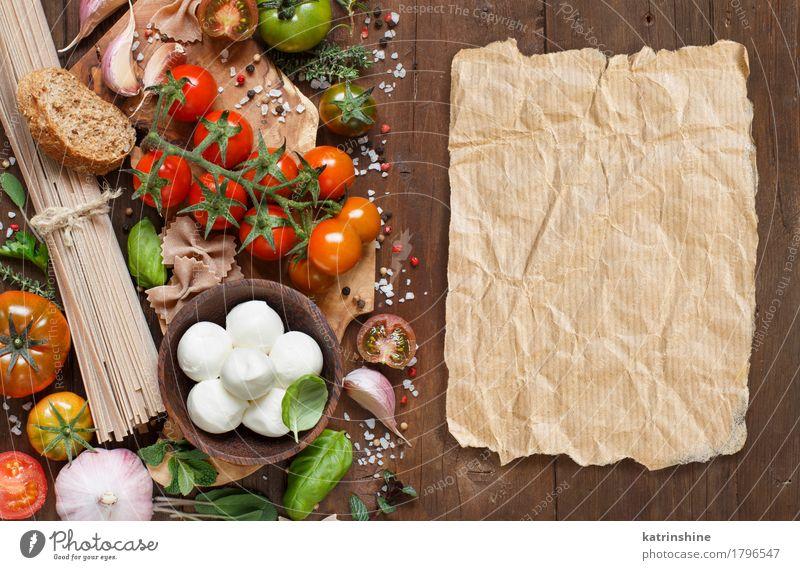 Italienische Küche ingridients Käse Gemüse Brot Kräuter & Gewürze Öl Vegetarische Ernährung Diät Schalen & Schüsseln Papier frisch hell braun grün