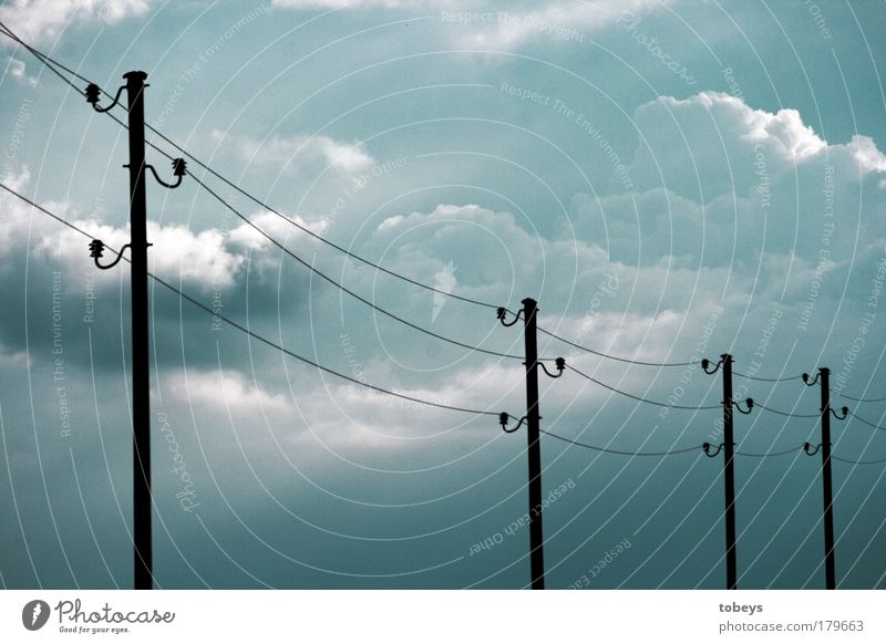 Energieträger II Kabel Technik & Technologie Fortschritt Zukunft High-Tech Telekommunikation Energiewirtschaft Umwelt Wolken Gewitter Klima Konkurrenz