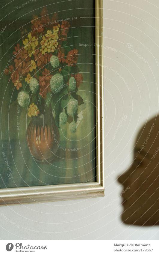 Die Betrachterin Mensch Frau Jugendliche Blume Erwachsene Gesicht feminin Kopf Innenarchitektur träumen Kunst Raum Wohnung 18-30 Jahre elegant Nase