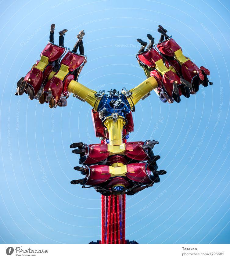 Kopfüber Lifestyle Freizeit & Hobby Fahrgeschäfte Geschwindigkeit Jahrmarkt Coolness blau gelb rot Freude Abenteuer Aktion Farbfoto Außenaufnahme Tag