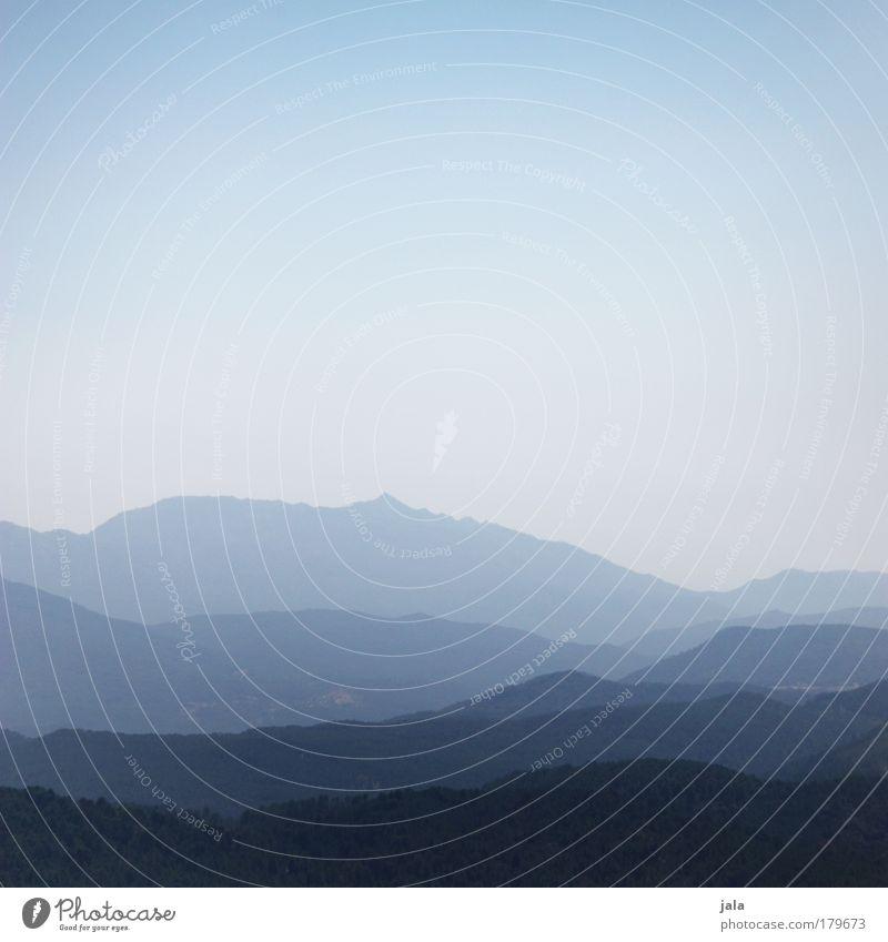 Weit übers Land Himmel blau ruhig Ferne Erholung oben Berge u. Gebirge Landschaft Aussicht Unendlichkeit Hügel sanft aufsteigen