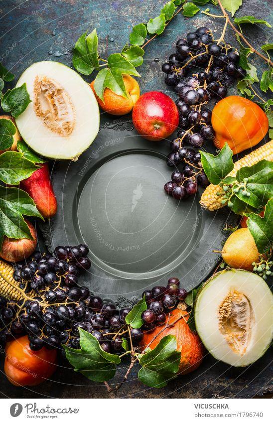 Obst und Gemüse um leerem Teller Lebensmittel Frucht Apfel Ernährung Bioprodukte Vegetarische Ernährung elegant Stil Design Gesunde Ernährung Natur gelb