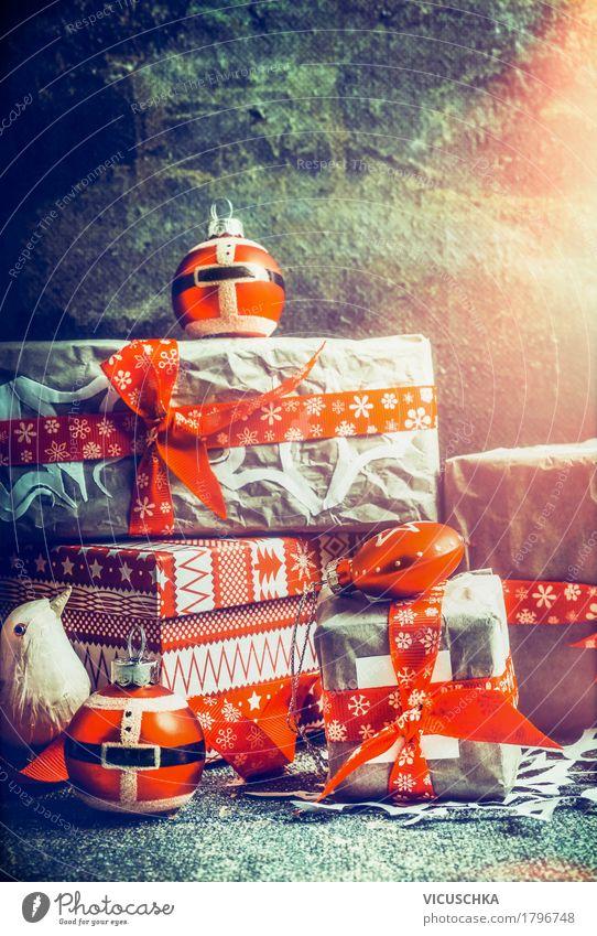 Geschenke für Weihnachten Weihnachten & Advent rot Winter Innenarchitektur Stil Feste & Feiern Design Häusliches Leben Dekoration & Verzierung retro kaufen