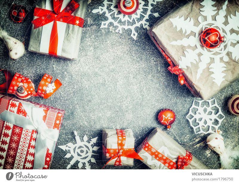 Weihnachtsgeschenke mit Papier Schneeflocken Weihnachten & Advent rot Freude Winter Stil Feste & Feiern Stimmung Design Dekoration & Verzierung kaufen