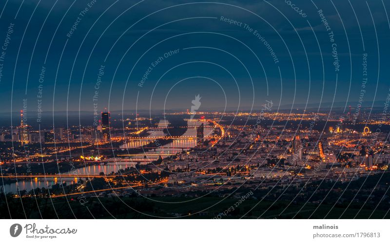 Wien bei Nacht Sehenswürdigkeit Horizont licht und schatten wien vienna blaue stunde langzeitbelichtung Farbfoto Detailaufnahme Dämmerung Starke Tiefenschärfe