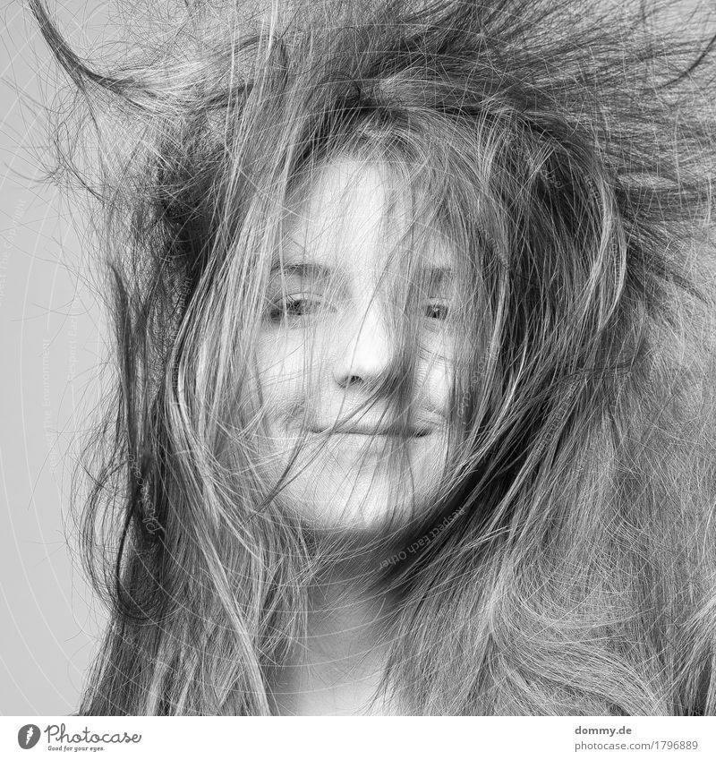 dot Freude schön Haare & Frisuren Haut Gesicht Kosmetik Wellness feminin Leben Kopf 1 Mensch 18-30 Jahre Jugendliche Erwachsene Bewegung genießen Stimmung Glück