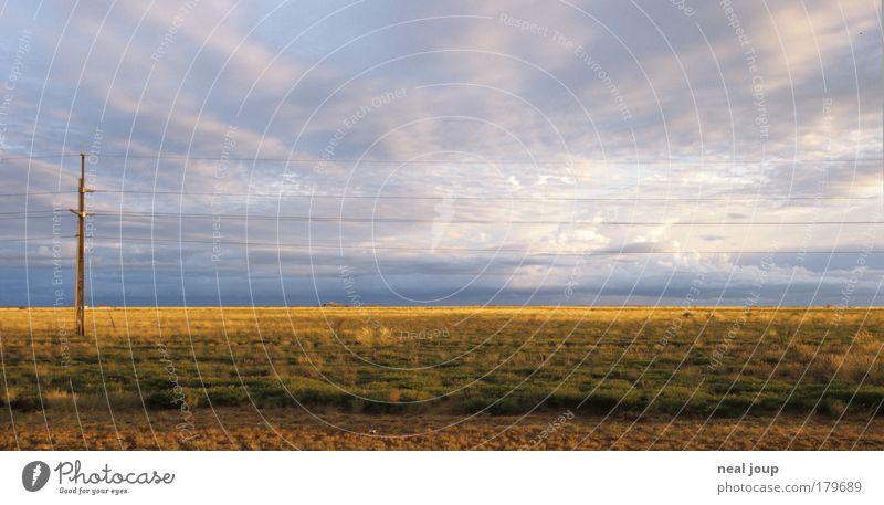 Ruhe vor dem Sturm schön Ferien & Urlaub & Reisen Wolken ruhig Einsamkeit Landschaft Umwelt Horizont Klima Sträucher bedrohlich fahren Unendlichkeit Strommast