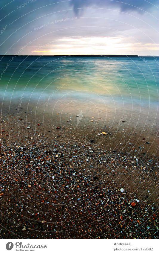 am See Farbfoto Außenaufnahme Menschenleer Textfreiraum oben Textfreiraum unten Abend Dämmerung Sonnenaufgang Sonnenuntergang Langzeitbelichtung