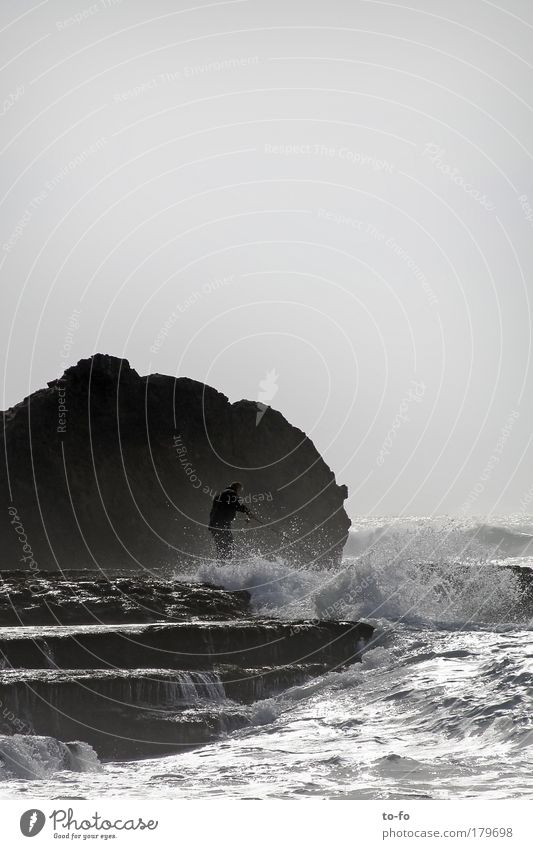 Angler Mensch Mann Natur Wasser Himmel Meer Sommer Strand Landschaft Wellen Küste Erwachsene Wind maskulin Tourismus Romantik