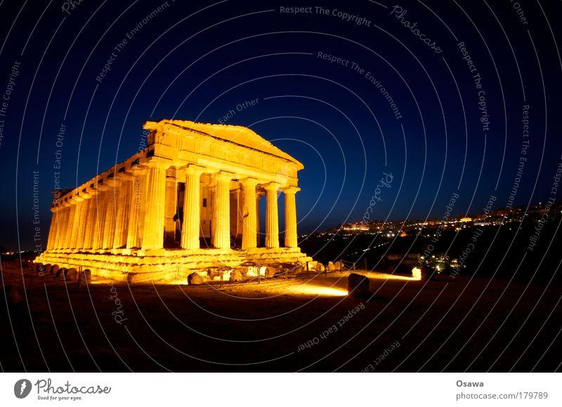 Tal der Tempel 03 Ruine antik Bauwerk Gebäude Architektur Griechenland Zerstörung Säule Italien Sizilien Agrigento Dämmerung Abend Himmel blau Querformat