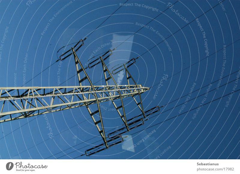 Hochspannung Elektrizität Hochspannungsleitung Versorgung Kraft Elektrisches Gerät Technik & Technologie Energiewirtschaft Leitung Wattenmeer