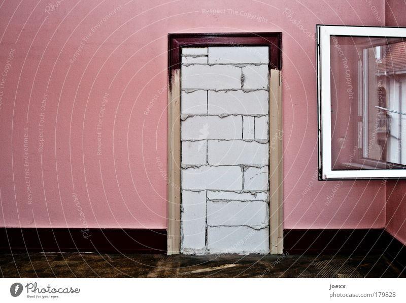 Letzter Ausweg alt Wand Fenster Stein Traurigkeit Mauer braun Raum Angst Wohnung rosa Glas Tür Macht offen bedrohlich
