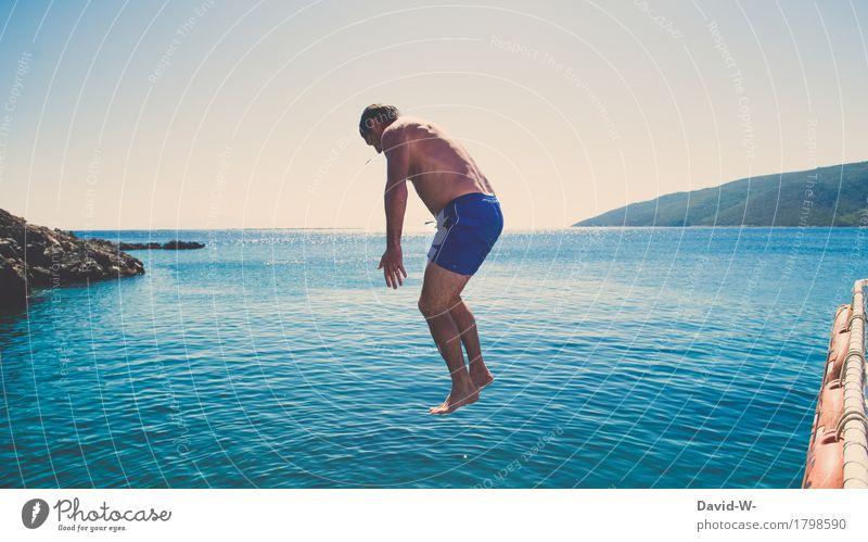 Schwerkraft Mensch Natur Ferien & Urlaub & Reisen Mann blau Sommer Wasser Sonne Meer Freude Ferne Strand Erwachsene Umwelt Leben Freiheit