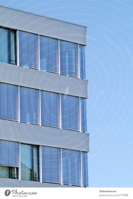 Bürogebäude Fenster Aluminium Architektur blau 3-Etagen Himmel