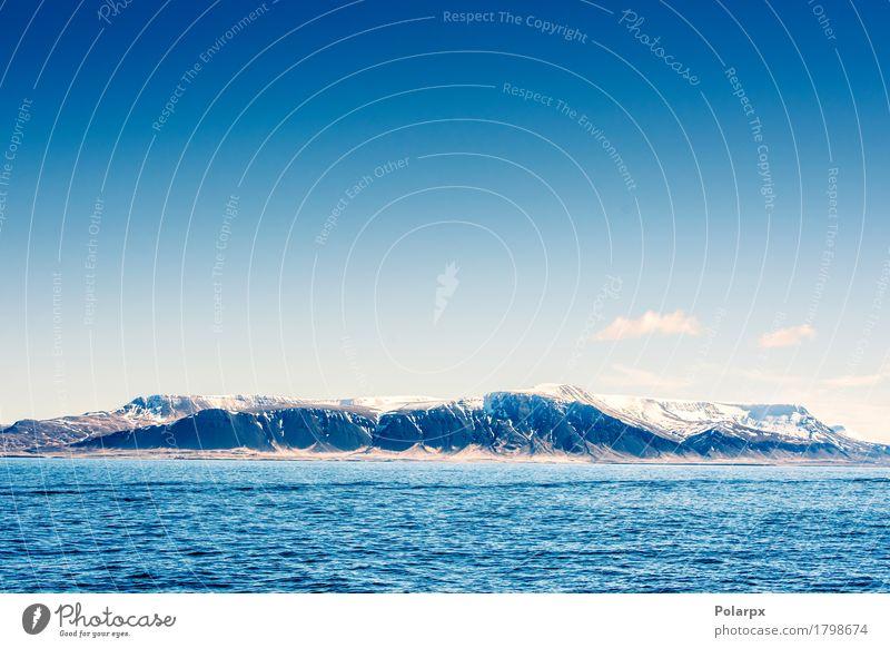 Schnee auf Bergen im blauen Ozean Leben Ferien & Urlaub & Reisen Tourismus Meer Wellen Berge u. Gebirge Umwelt Natur Landschaft Himmel Wolken Klima Wetter Hügel