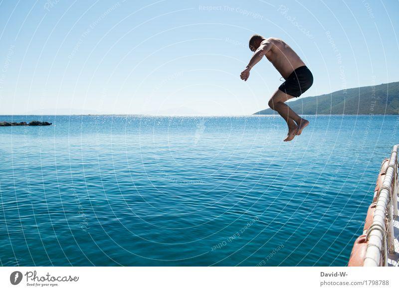 kurz vor dem Aufprall Mensch Ferien & Urlaub & Reisen Mann blau Sommer Sonne Meer Erholung Ferne Erwachsene Leben Gesundheit Schwimmen & Baden fliegen Tourismus springen