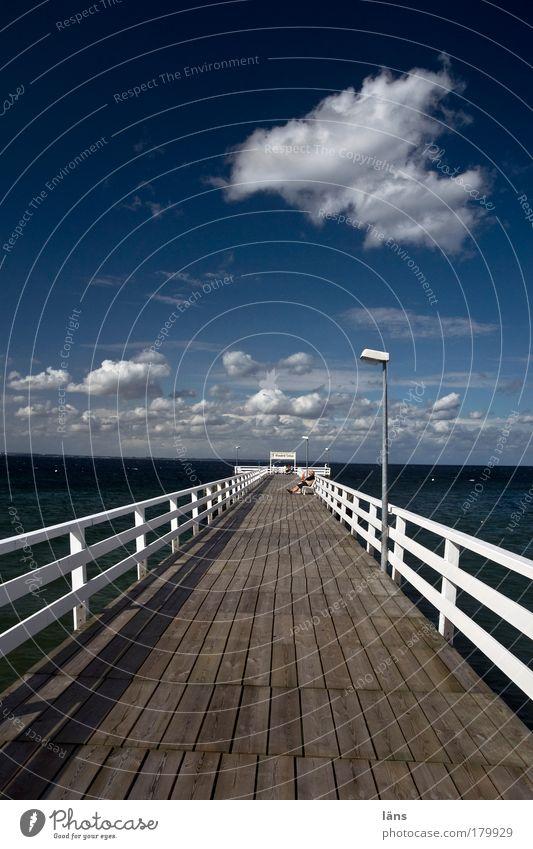 Seebrücke Niendorf Brücke Himmel Sonne Meer Ferien & Urlaub & Reisen Wolken Erholung Glück träumen Paar Zufriedenheit Horizont Ausflug Tourismus Lebensfreude