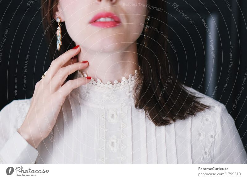 Zart_1799310 elegant Stil schön Haare & Frisuren Haut Gesicht Schminke Lippenstift Nagellack feminin Junge Frau Jugendliche Erwachsene Mensch 18-30 Jahre
