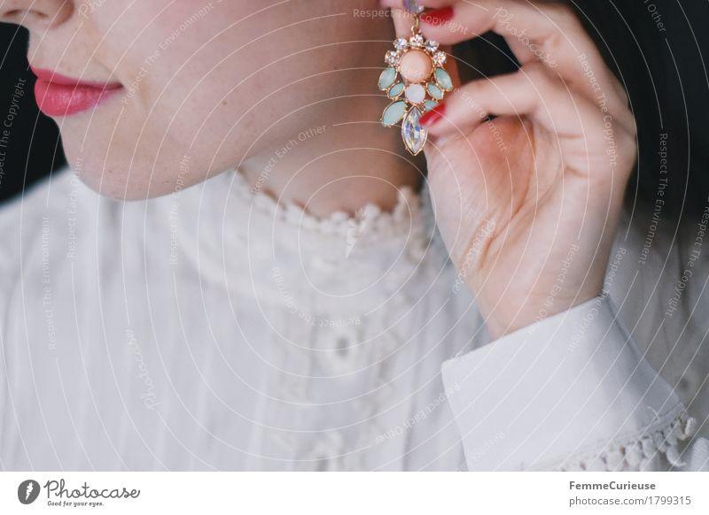 Zart_1799315 elegant Stil schön feminin Junge Frau Jugendliche Erwachsene Mensch 18-30 Jahre Ohrringe zart Romantik Spitze Bluse Kleid Hand Finger Nagellack rot