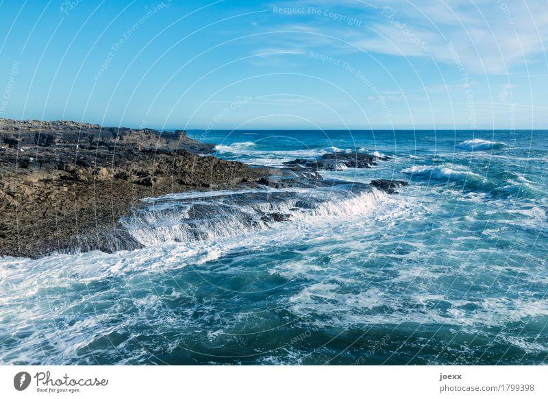 Gleichgewicht Meer Wellen Landschaft Wasser Himmel Wolken Schönes Wetter Felsen Küste eckig weich blau braun weiß Fernweh Bewegung Zufriedenheit Horizont