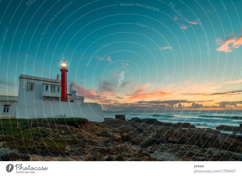 Farol do Cabo Raso Himmel Ferien & Urlaub & Reisen blau Sommer weiß Meer rot Wolken Haus schwarz Felsen orange rosa Horizont retro historisch