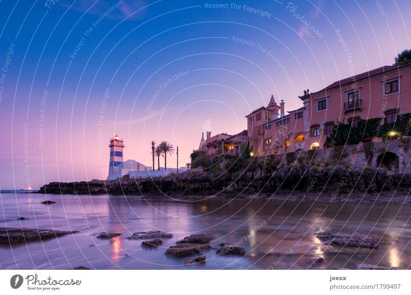 Santa Marta Wasser Sommer Schönes Wetter Felsen Küste Bucht Cascais Haus Leuchtturm Architektur Mauer Wand alt maritim schön blau rosa Horizont Idylle Farbfoto