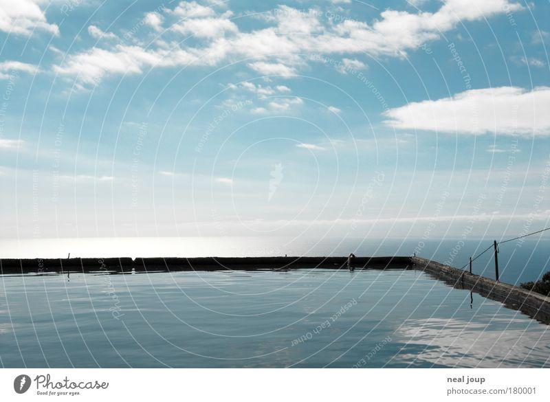 Liquid blue Wasser Himmel Meer blau Ferien & Urlaub & Reisen ruhig Wolken Ferne Erholung Horizont Europa ästhetisch Aussicht Unendlichkeit Flüssigkeit leuchten