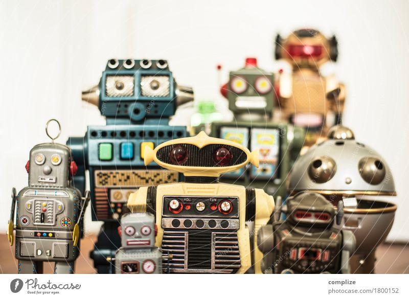 Robbi, Tobbi und das Dings da Metall entdecken Weltall retro Achtziger Jahre Siebziger Jahre Sechziger Jahre Roboter Spielzeug Menschengruppe mehrere Helfer