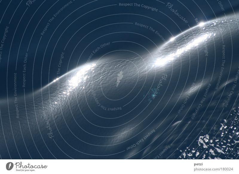 Die sanfte Welle Meer blau Ferien & Urlaub & Reisen ruhig schwarz Erholung Stimmung Wellen Wasser nass weich Wasserfahrzeug Kreuzfahrtschiff