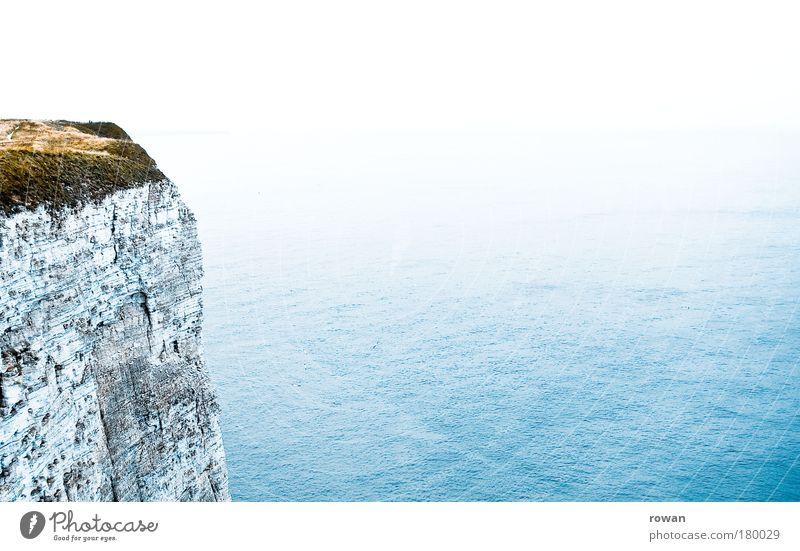 englische klippen Wasser weiß Meer blau Ferne Küste Nebel Horizont Felsen Aussicht Unendlichkeit Nordsee England Klippe Höhe Yorkshire