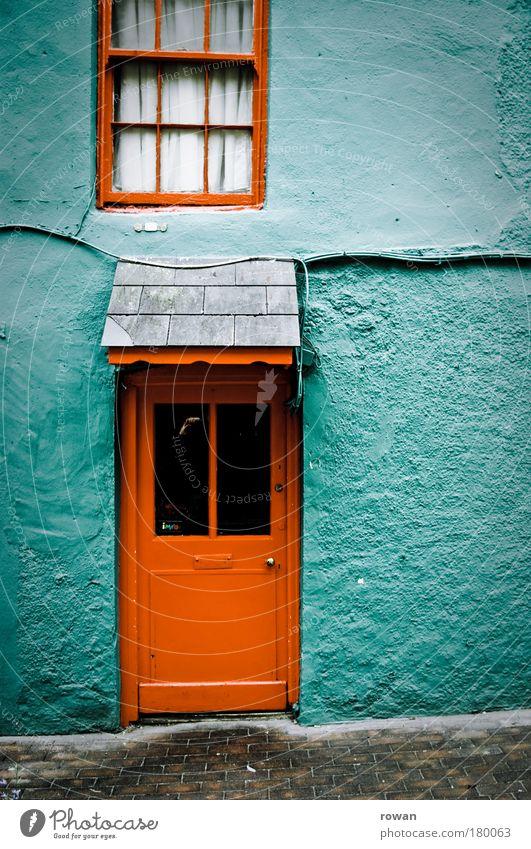 home sweet home alt grün rot Haus Farbe Wand Fenster Mauer Gebäude Architektur Wohnung klein Tür Fassade retro