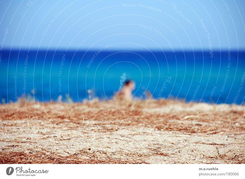 mann am meer blau Strand Sand Stimmung Horizont gehen himmelblau