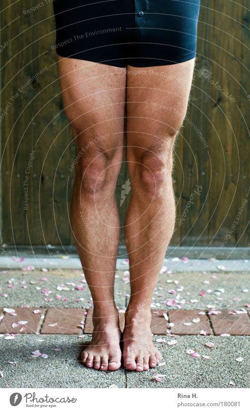 Stramm stehen Mensch Erwachsene Sport Beine Fuß Kraft Freizeit & Hobby Haut maskulin Behaarung Erfolg stehen ästhetisch Fitness sportlich Sport-Training