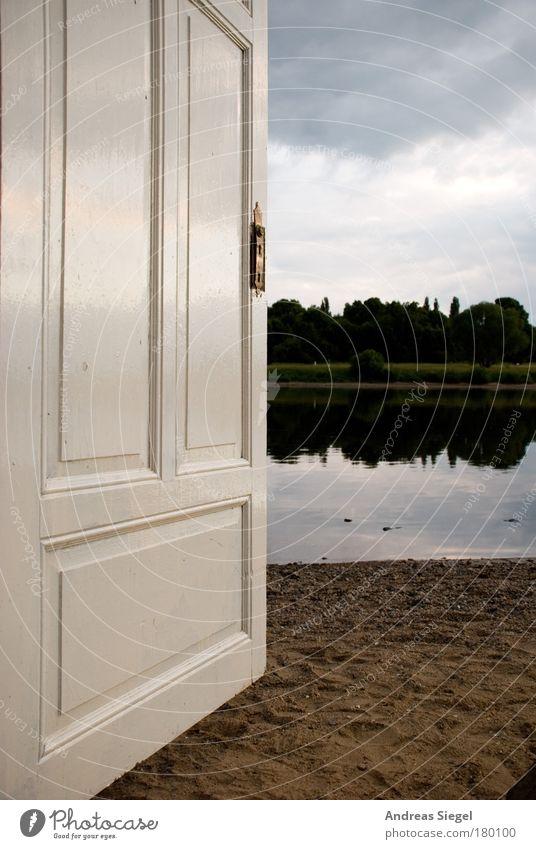 Die Tür zum Fluss Himmel Natur weiß Wolken dunkel Landschaft Holz Garten Sand Stein Kunst Wohnung Ausflug frei verrückt