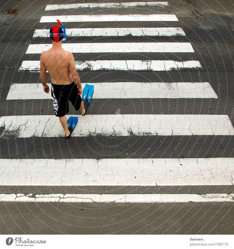 auf der suche II Mensch Mann Stadt Einsamkeit Erwachsene Bewegung Traurigkeit gehen laufen maskulin außergewöhnlich einzigartig Sehnsucht tauchen Verkehrswege