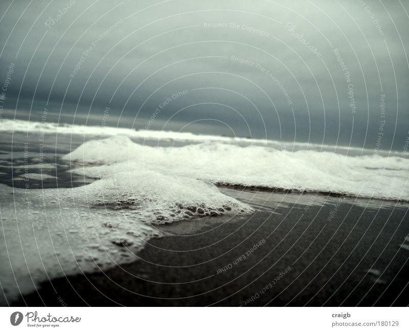 Natur Wasser Himmel Meer Strand Ferien & Urlaub & Reisen Wellen Küste nass Sturm Gelassenheit Blase Unwetter Nordsee Schaum sprudelnd